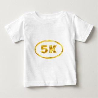 5K金ゴールドの楕円形のランナー ベビーTシャツ