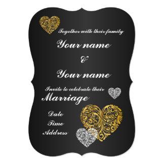 5x7招待状ブラケットを結婚する金ハートのデザイン カード