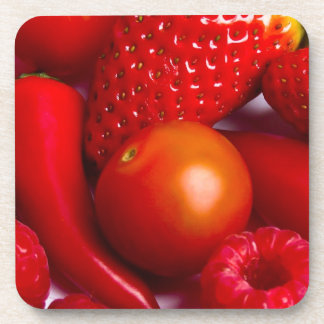 6つのコースターの置かれる赤い果物と野菜 コースター
