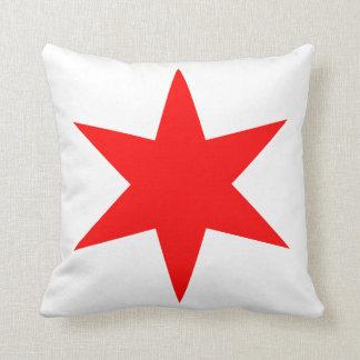 6先の尖ったシカゴの旗の赤の星 クッション