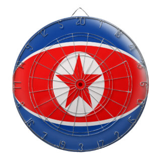 6本の投げ矢の北朝鮮の旗が付いているダート盤 ダーツボード