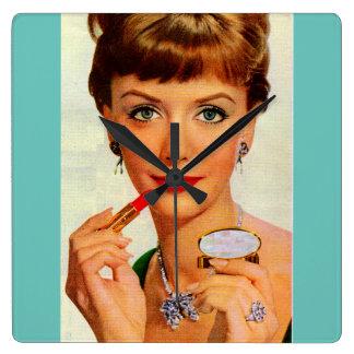 60年代の口紅の女性 スクエア壁時計