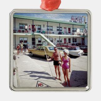 60年代の残りの入江のモーテル メタルオーナメント