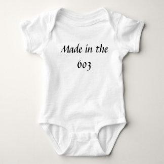 603 /babyで作られる ベビーボディスーツ