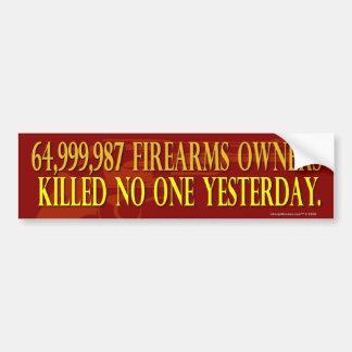 64,000,000の火器の所有者のバンパーステッカー バンパーステッカー