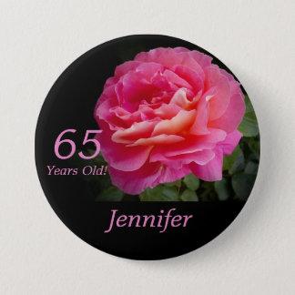 65歳、ピンクのバラボタンPin 7.6cm 丸型バッジ