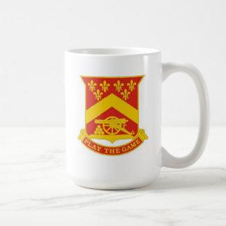 68のウィスキーの戦闘の医者の103rd野戦砲兵のマグ コーヒーマグカップ