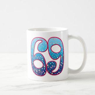 69の年齢の激賞 コーヒーマグカップ