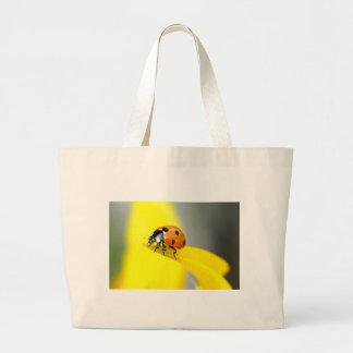 7つの点のてんとう虫はヒマワリで散歩します ラージトートバッグ