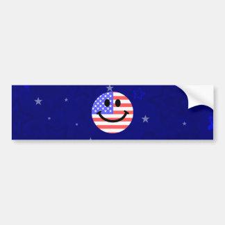 7月の米国旗のスマイリーフェイスの第4 バンパーステッカー