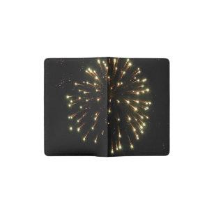 7月4日の金ゴールドの花火の破烈 ポケットMoleskineノートブック