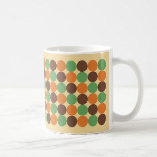 70年代の点のアボカドの緑によって燃やされるオレンジ収穫の金ゴールド コーヒーマグカップ
