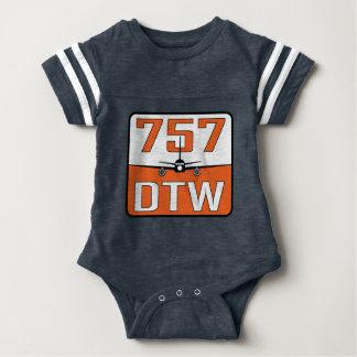 757 DTWのベビーのスナップ終わりのTシャツ ベビーボディスーツ
