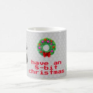 """""""8ビットクリスマス""""のコーヒー・マグ(灰色) コーヒーマグカップ"""