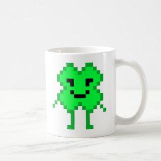 8ビット幸運なクローバー コーヒーマグカップ