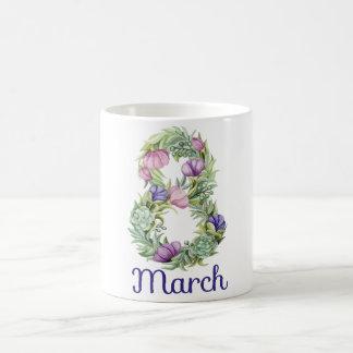 8人の行進の女性日の花柄のタイポグラフィ コーヒーマグカップ