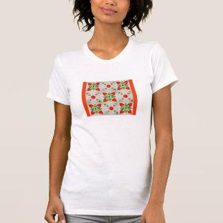 9つのパッチのハートのキルト Tシャツ