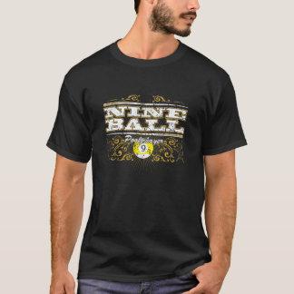 9つの球のヴィンテージのデザイン Tシャツ