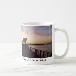 9/11の記念物、セントジョージのスタテン島、ニューヨーク コーヒーマグカップ