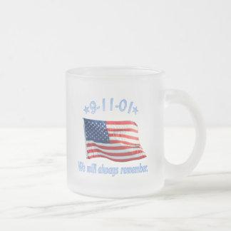 9-11私達は常に覚えています フロストグラスマグカップ