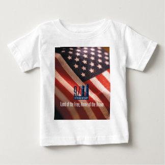 9/11: 勇敢のの自由な家の土地 ベビーTシャツ