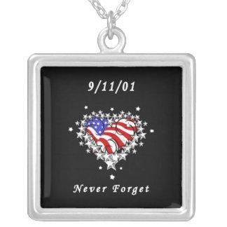 9/11/01の愛国心が強い入れ墨 シルバープレートネックレス