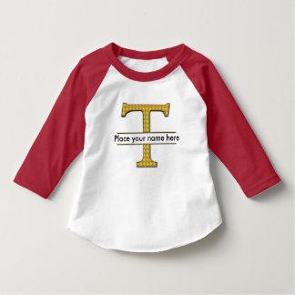 AにZのアルファベットの赤ん坊のアメリカ人のTシャツ Tシャツ