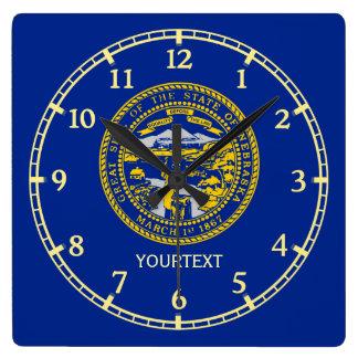 aの名前入りなネブラスカの州の旗のデザイン スクエア壁時計