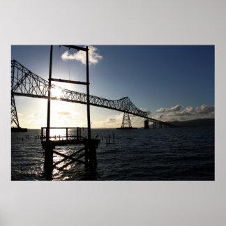 Aの太陽のキャッチャーとしてAstoria-Megler橋 ポスター