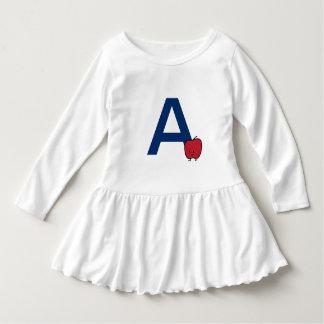 AはかわいいAppleのアルファベットabcの手紙の学ぶことのためです ドレス