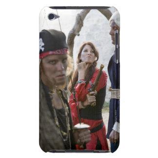 aを保持していたりおよび脅している海賊のポートレート Case-Mate iPod touch ケース