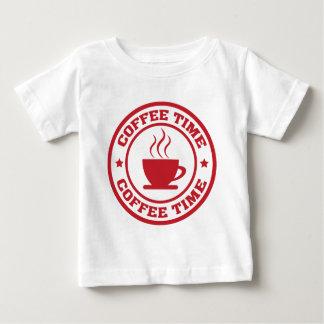 A251コーヒー時間円の赤 ベビーTシャツ