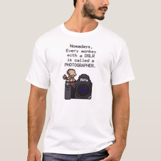 A DSLRのあらゆる猿はカメラマンです Tシャツ