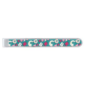 ABCのピンク及び青いデザイン 銀色 ネクタイピン