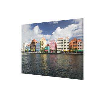 ABCの島、クラサオ島、Willemstad: Harborfront キャンバスプリント