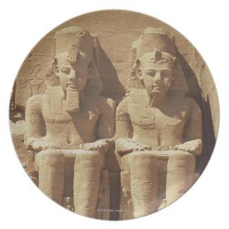 Abu Simbel -カイロ、エジプトの彫刻 プレート