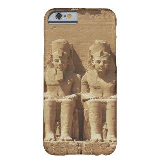 Abu Simbel -カイロ、エジプトの彫刻 Barely There iPhone 6 ケース