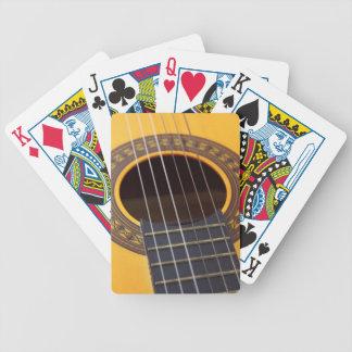 Acoustic Guitar バイスクルトランプ
