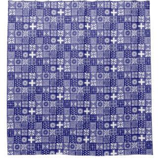 Adireパターン-深い青および白い シャワーカーテン