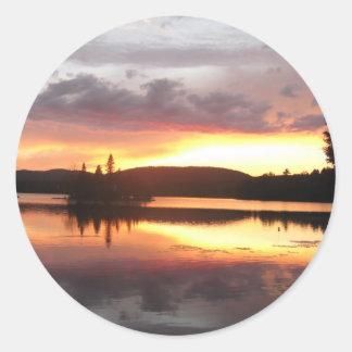 Adirondackの日没 ラウンドシール