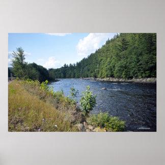 Adirondacksのハドソン川。 プリント08 158 ポスター