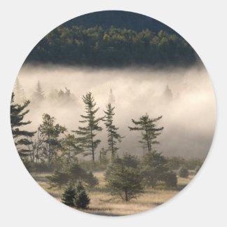 Adirondacksの朝の霧 ラウンドシール