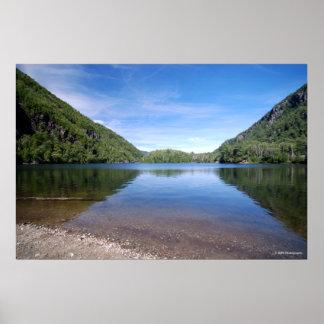 Adirondacks.print 180のチャペルの池 ポスター