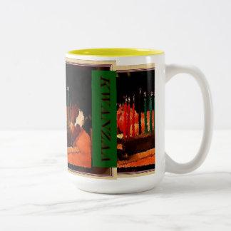 AfriMex Urbano Kwanzaaの絵画のマグ ツートーンマグカップ