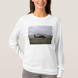 AH-64Aアパッシュの出発 Tシャツ