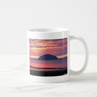 Ailsaクレイグの日没 コーヒーマグカップ