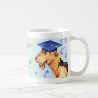 Airedaleの卒業生 コーヒーマグカップ