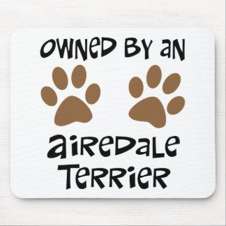 Airedaleテリアによって所有される マウスパッド