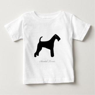 Airedaleテリアのシルエット ベビーTシャツ