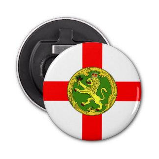 Alderneyの旗のガーンジーの記号イギリス 栓抜き
